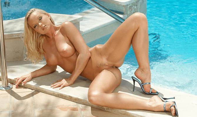 free pics of carmin electera naked