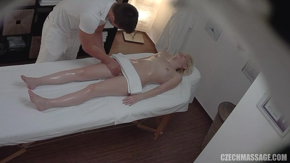 Nude massage cam